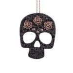 Muerto, Roses & Studs necklaceclose up (Large)